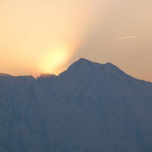 coucher sur le Pic de Hourgade (?) alt. 2964m., vu du Pic Arrouy - Pyrénées du Haut-Luchonnais