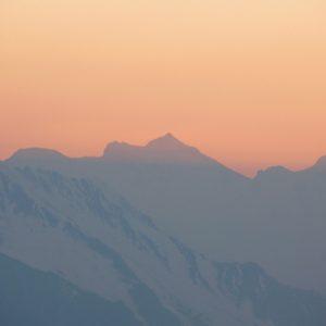 Coucher sur le Pic Aneto (?) 3404m, vu du Pic Arrouy (1850m.) Pyrénées du Haut-Luchonnais