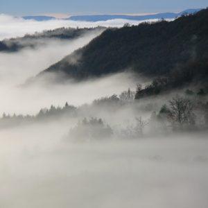 l'assaut des nuages (Montjaux -Aveyron)