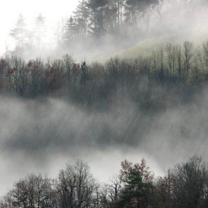 jeu de lumière dans les nuages (Montjaux -Aveyron)
