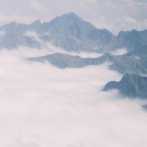Pyrénées... l'Arbizon - Mer de nuages, au-dessus de la Mongie, en Bigorre