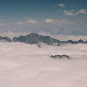Pyrénées... Mer de nuages - Au-dessus de la Mongie, en Bigorre, massif de l'Arbizon