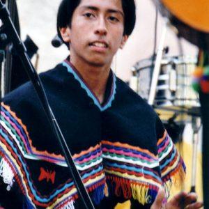 Jallmay - Jeune (très jeune ! Une quinzaine d'années) percussionniste de la formation musicale