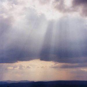 Lozère... Lumière... Au-dessus de la Cham des Bondons (altocumulus)